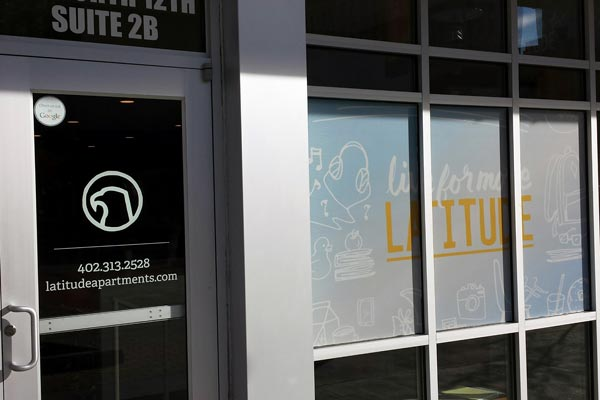 Vinyl Window Lettering and Retail Graphics Installation