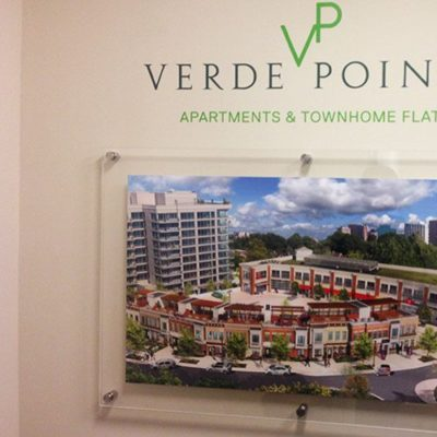 Verde Point Acrylic Disply